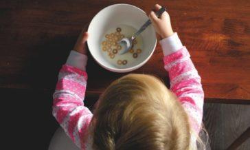 Jak zachęcić dziecko do jedzenia potraw Co robić kiedy dziecko nie lubi jeść