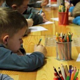 Złe traktowanie dziecka w przedszkolu Czy zabrać dziecko z przedszkola