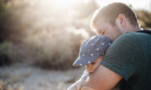 Choroba rodzica Jak powiedzieć dziecku ochorobie Czydziecko zrozumie ojciec jest chory