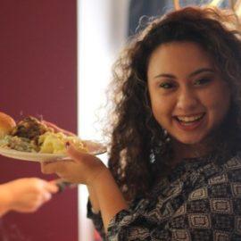 Co robić gdy czternastolatka nie chce jeść warzyw owoców Zaburzenia odżywiania u nastolatków