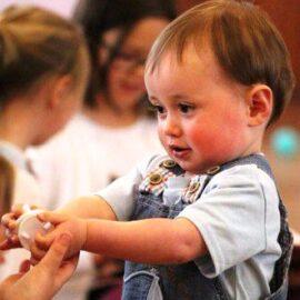 Jak nauczyć dziecko dzielenia się z innymi Prawo dziecka do własności