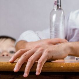 Jak wychowywać córkę gdy ojciec jest alkoholikiem
