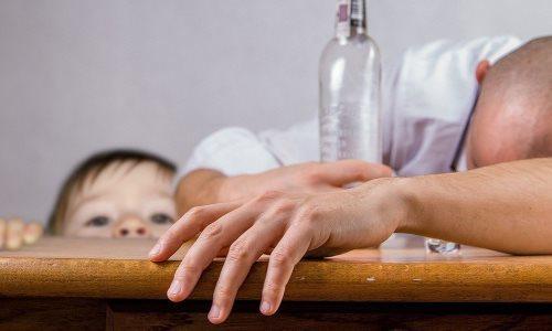 Jak wychowywać córkę gdyojciec jest alkoholikiem